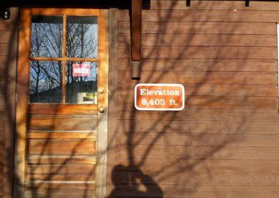 Longs Peak trailhead ranger station