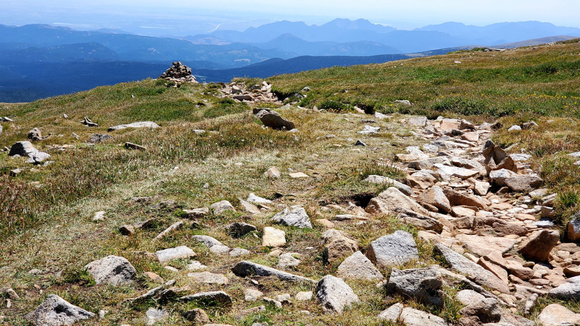 The trail marked by cairns